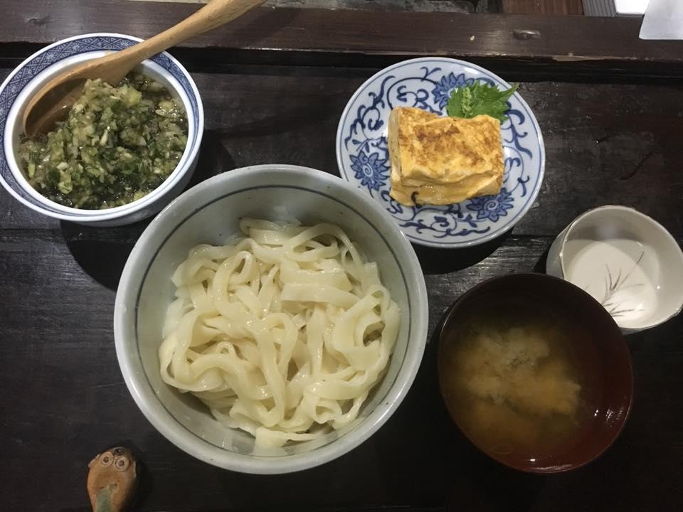 朝食(手打ちうどん)